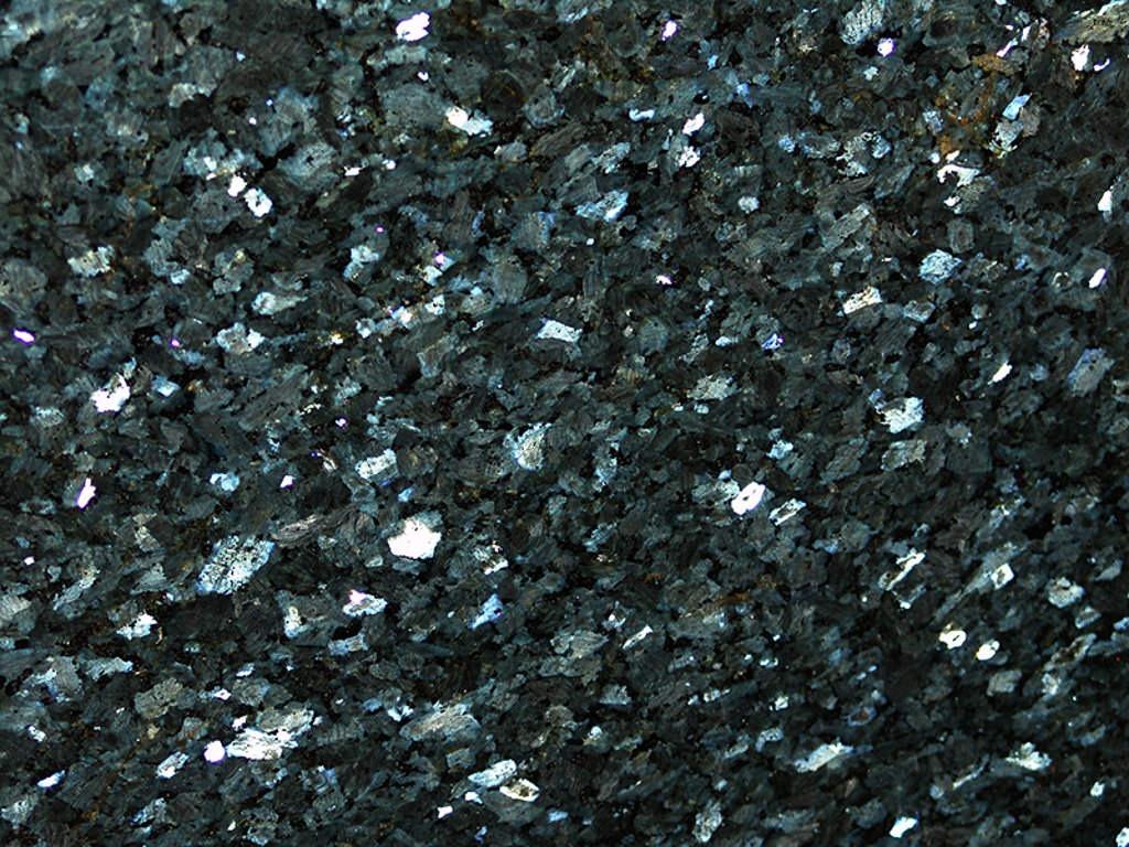 Labrador emerald pearl granit iz Norveške
