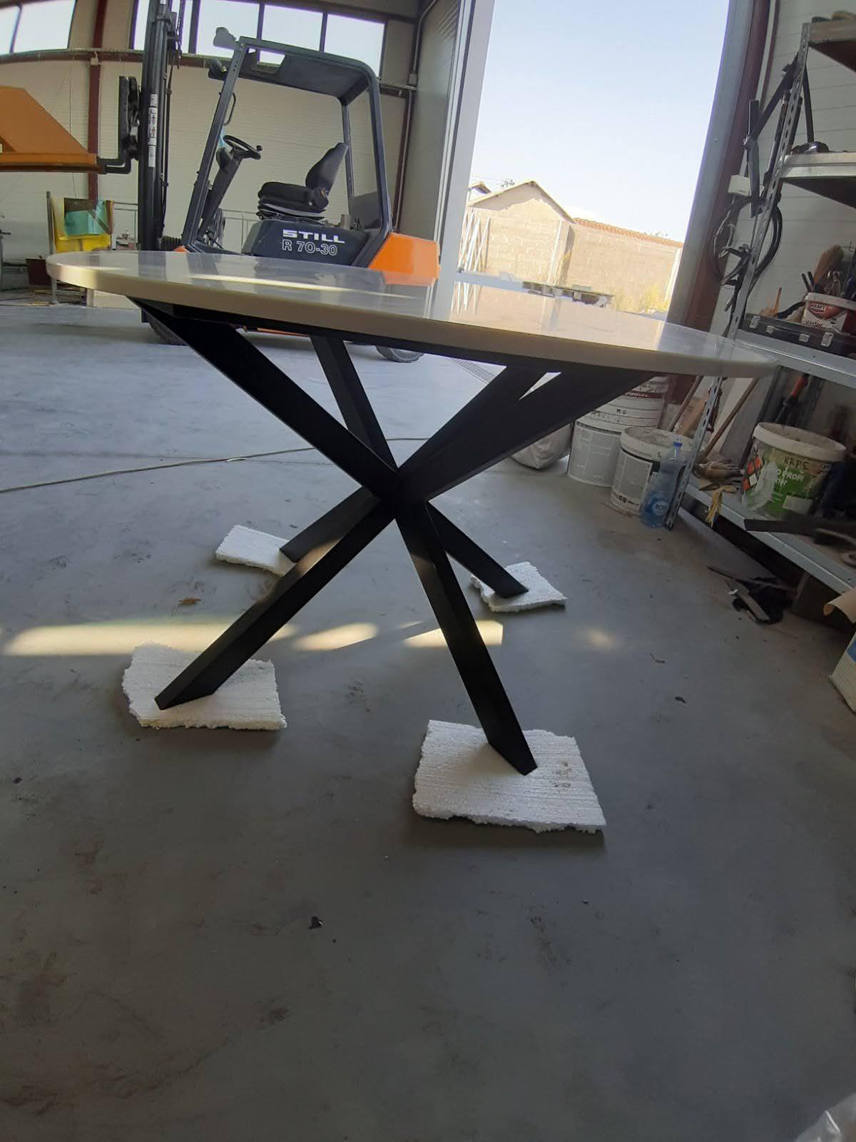 Trpezarijski sto od mermera