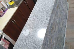 Šank od belo crnog granita new crystal