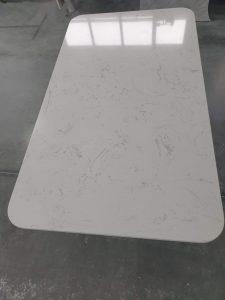 Trpezarijski sto kompozitovani kamen