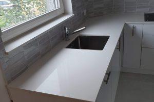 Kuhinjske ploče od kvarca po meri beli