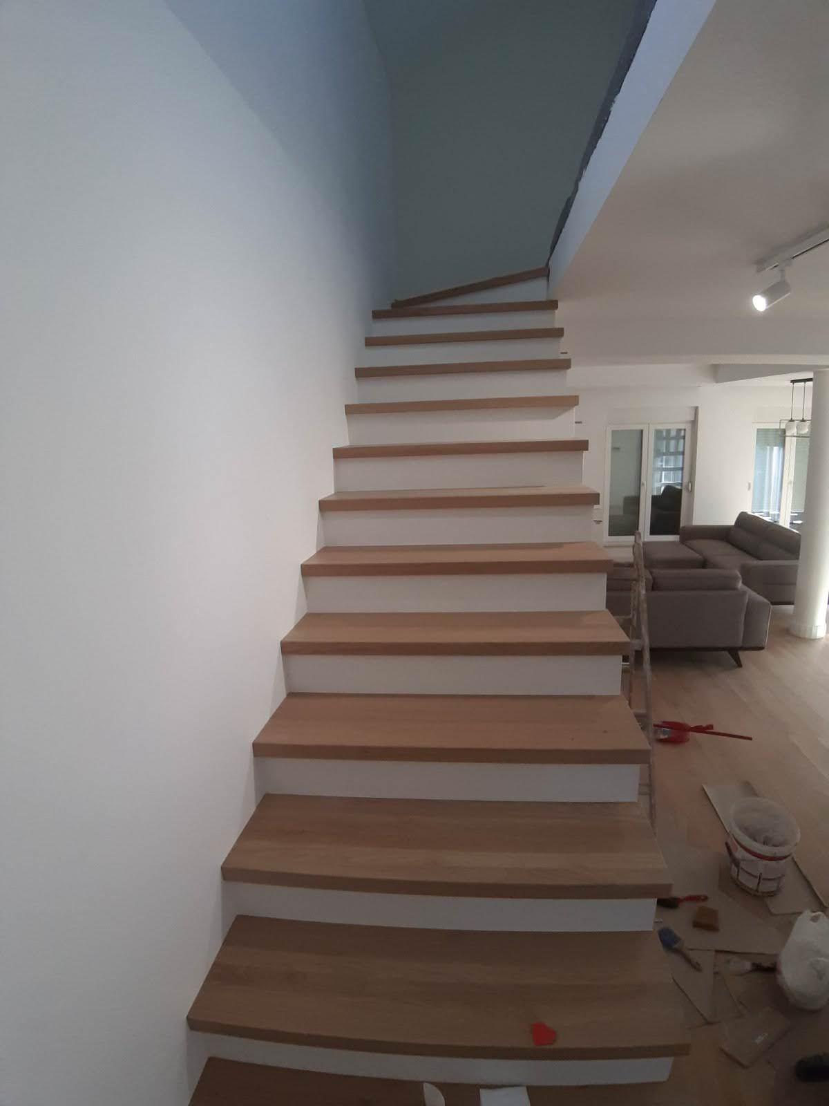 Stepenice od kvarca i hrasta