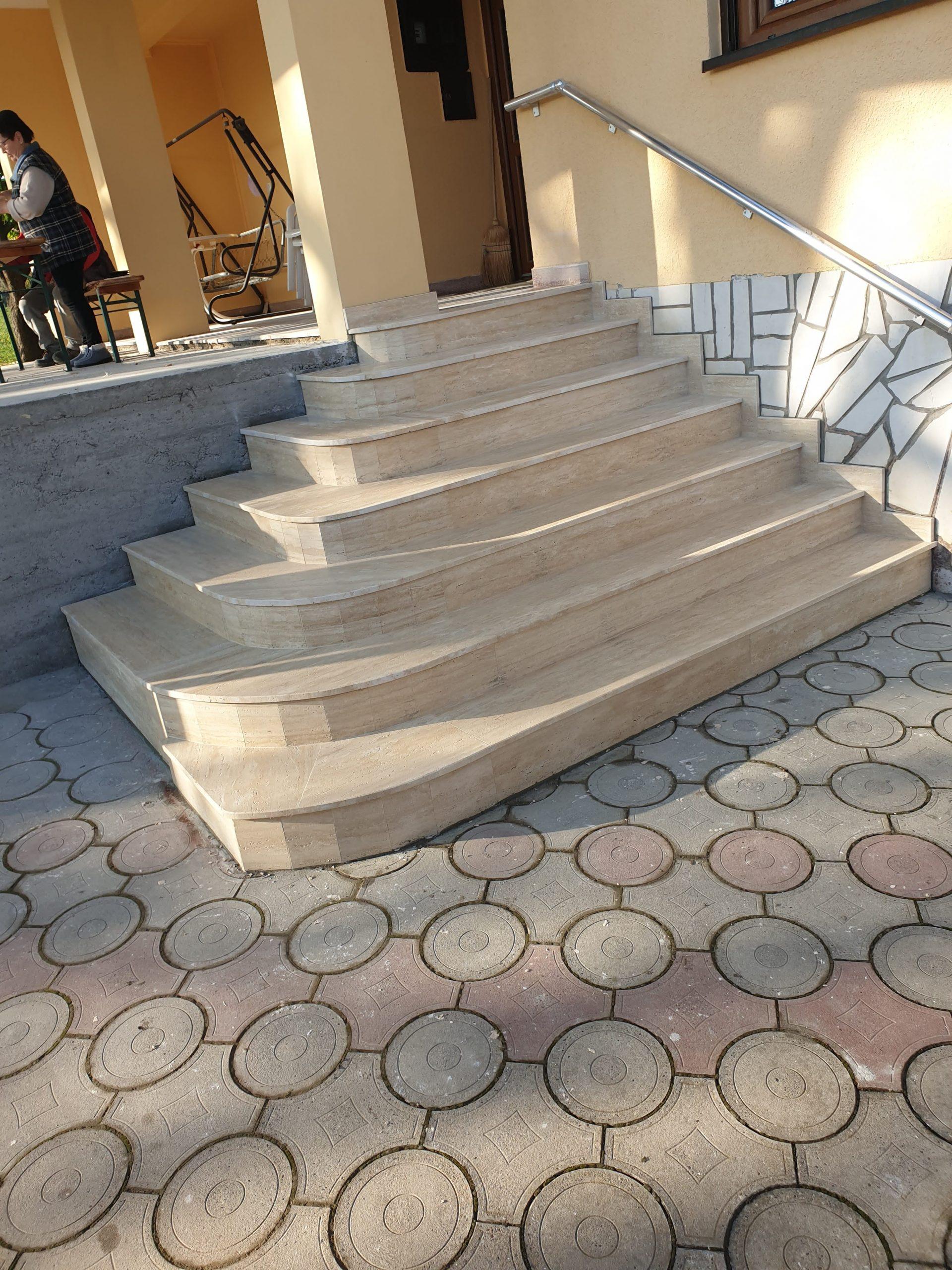 Stepenice od travertina oblaganje