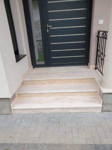 stepenice travertin prirodni kamen