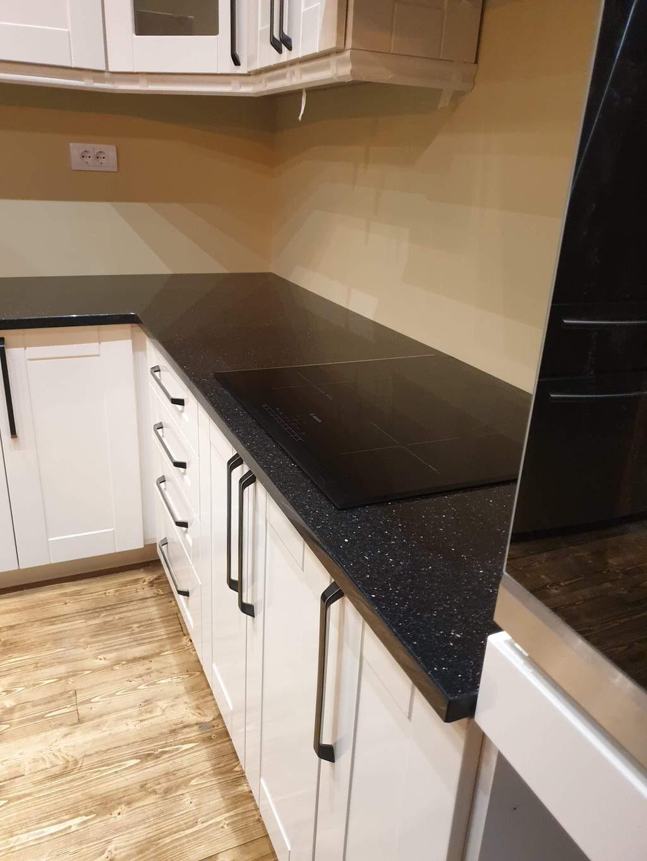 kuhinjska radna ploca od crnog granita black galaxy