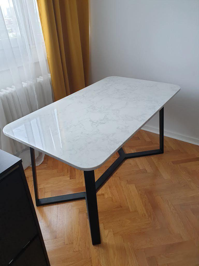 trpezarijski stolovi od mermera