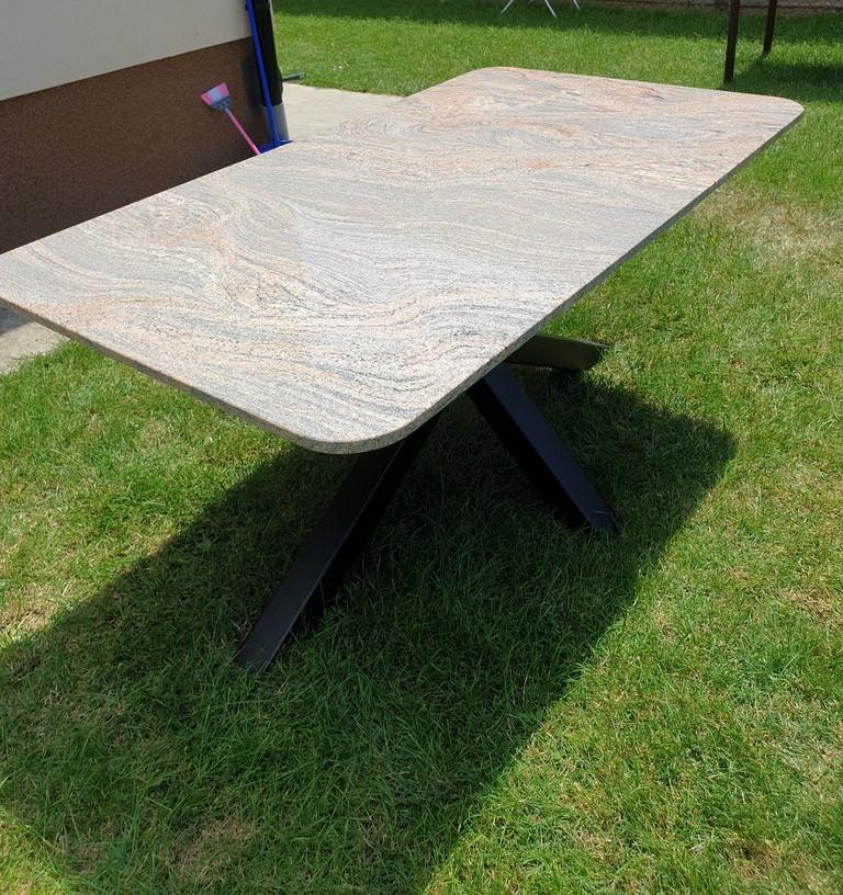 ttrpezarijski sto za spolja outdoor